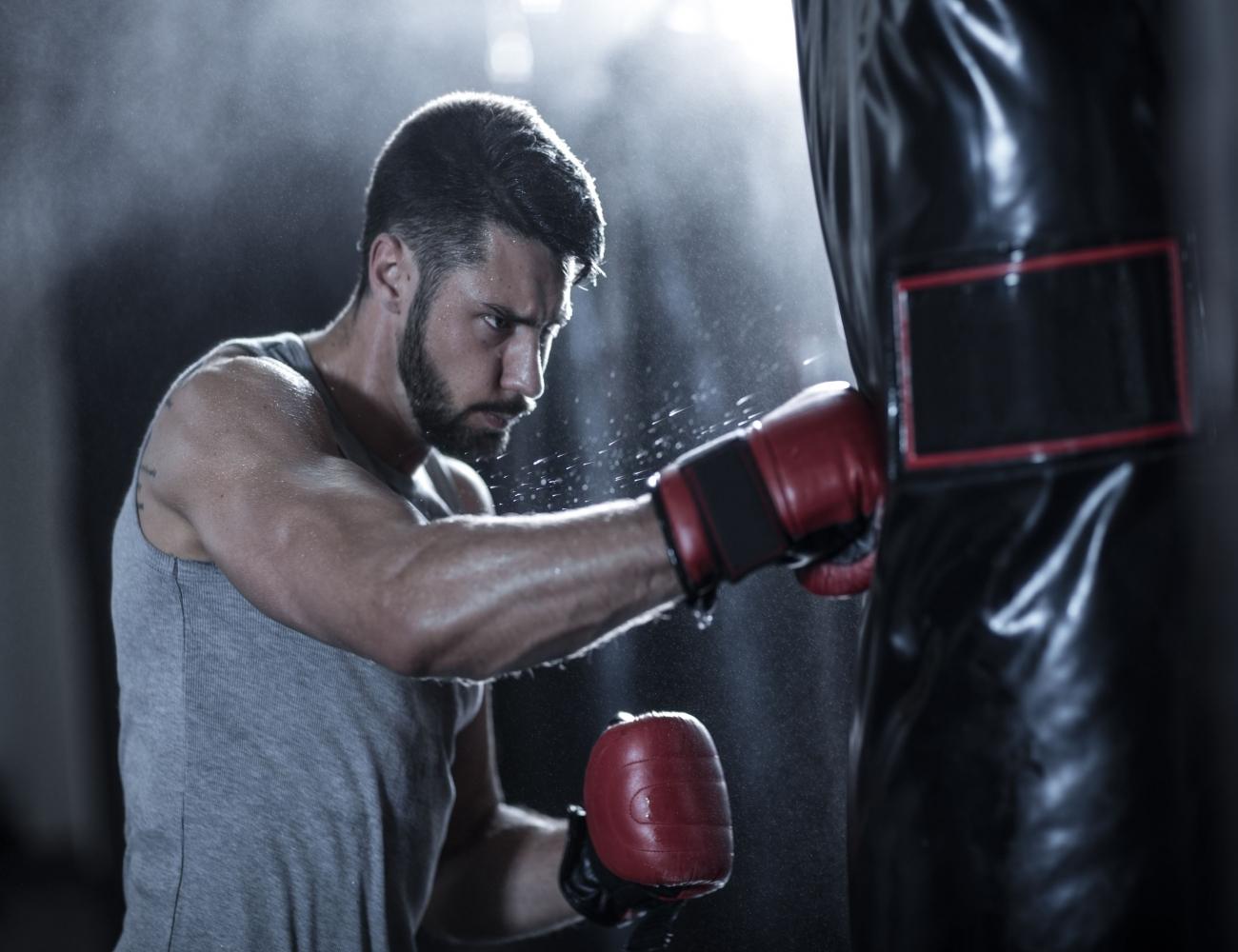 İstanbul sancaktepe boks spor salonu. Boks hareketleri ve boks antrenmanı ile ciddi oranda kalori yakabilir aynı zamanda da ciddi bir kas kütlesi
